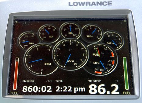 Mas-Tech_M200_on_Lowrance_HDS7_courtesy_Jeffrey_Schwartz.jpg