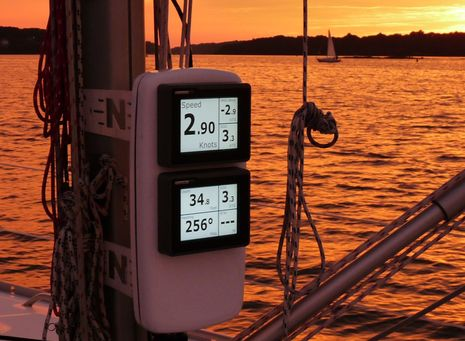 raymarine st70 plus like music to my ears panbo rh panbo com Raymarine Display Raymarine SeaTalk Ng to SeaTalk To