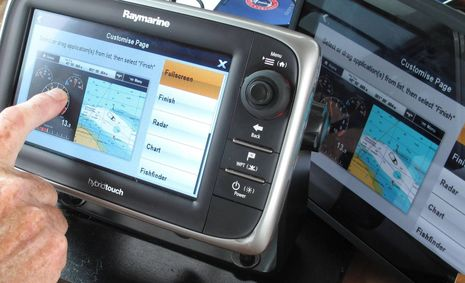 Raymarine_e7_demo_custom screen_cPanbo.jpg