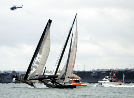 AC34_committee_boat_Regardless_in_action_cPanbo.jpg