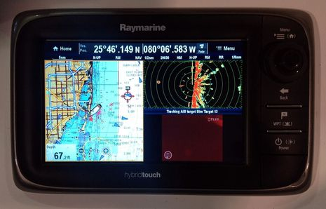 Raymarine_Lighthouse_5_camera_slew-to-cue_1_cPanbo.jpg