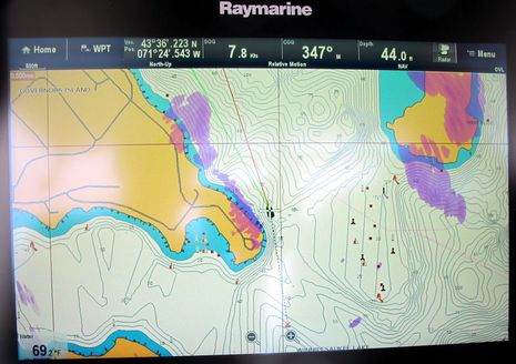 Raymarine_gS125_on_Winnipesaukee_cPanbo.jpg