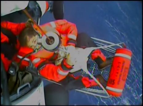 Charlie_Doane_being_rescued_by_USCG.jpg