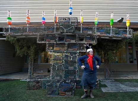 Gloucester_lobster_trap_menorah_courtesy_Davis_Boston_Globe.jpg