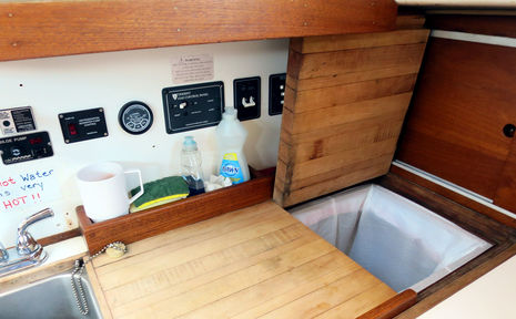 Allied_42_Furly_B_galley_detail_cPanbo.jpg