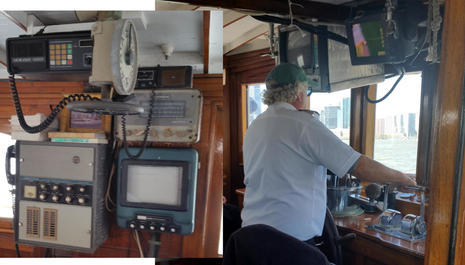 Charter_Yacht_Mariner_III_w_Capt_Kennedy_n_historic_electronics_cPanbo.jpg