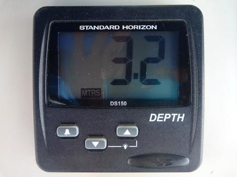 Standard Horizon DS150 Digital Depth Sounder